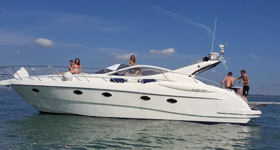 Яхта на Корфу (фото 3)